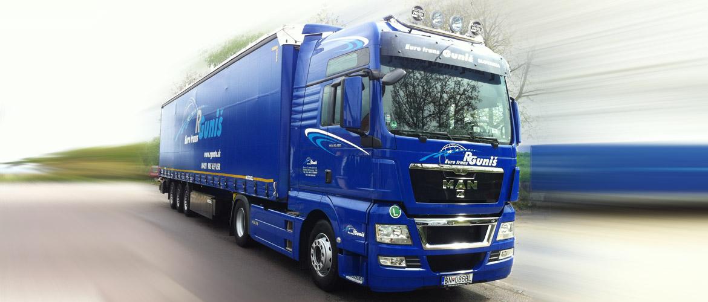 modrý kamión Eurotrans Guniš